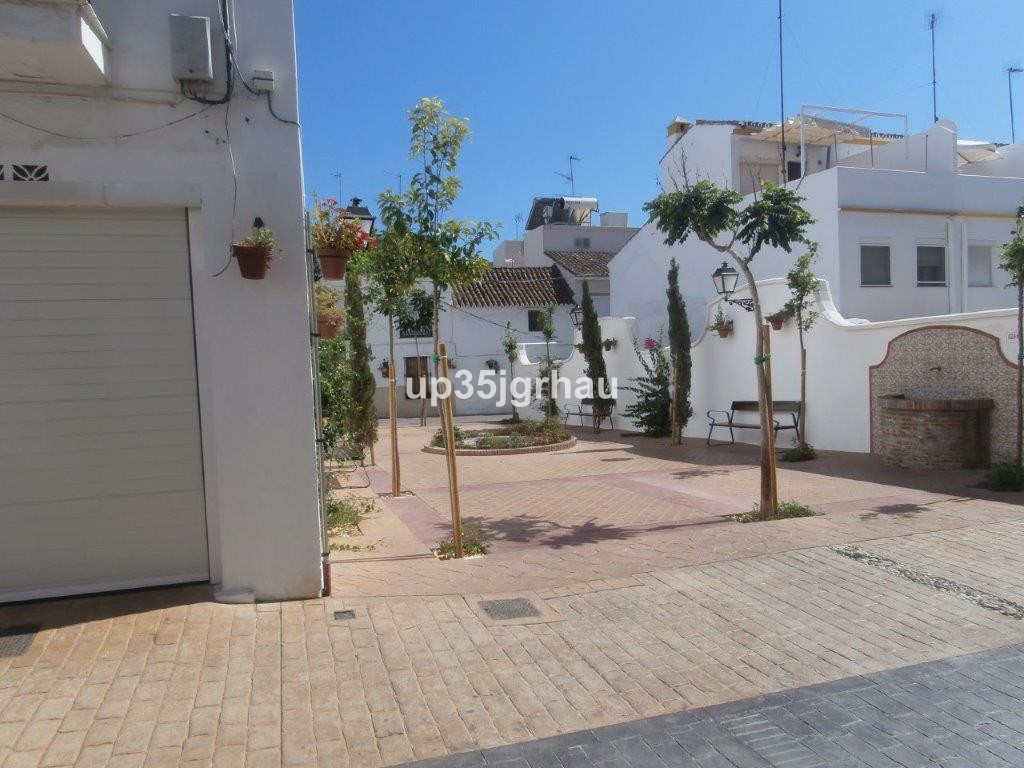 Adosados, Estepona, Costa del Sol. 2 Dormitorios, 2 Banos, Construidos 250 m², Terraza 30 m².  Posic,Spain