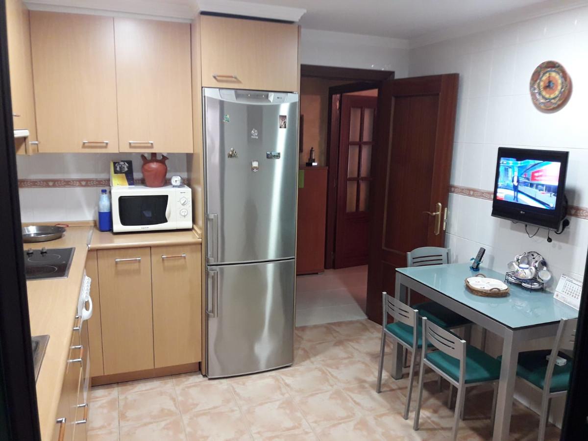 Fantastic apartment in the popular Myramar complex in Benalmadena, excellent condition with beautifu,Spain