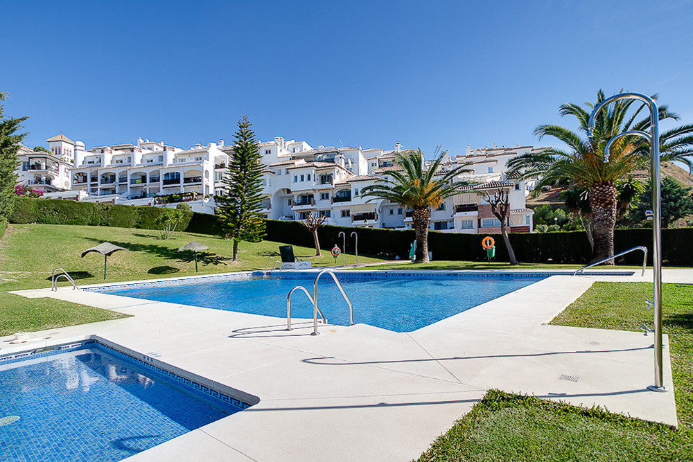 Middle Floor Apartment, Mijas Costa, Costa del Sol. 2 Bedrooms, 1 Bathroom, Built 60 m², Terrace 5 m, Spain
