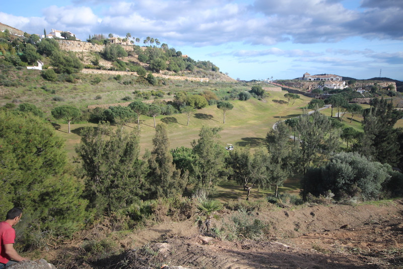Terreno Marbella Club Golf, C/Benahavis, con su casa Club acogedor.  Proyecto de parcelacion en Bena,Spain