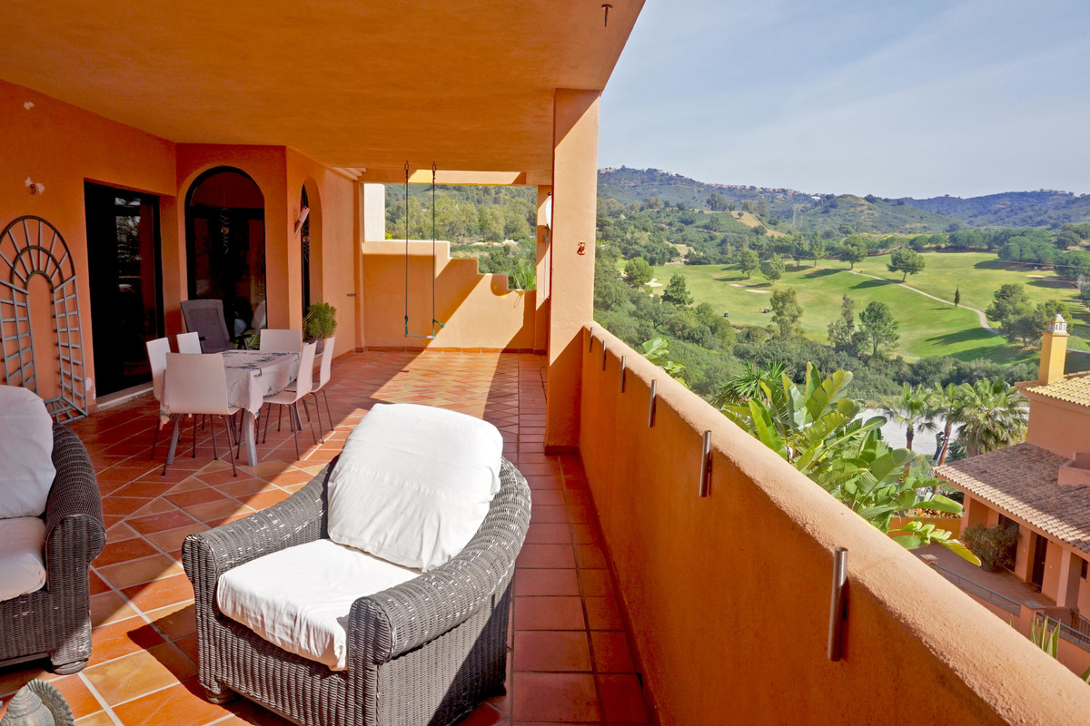 Great spacious apartment situated next to the Santa Maria golf Course in Elviria with nice mountain ,Spain