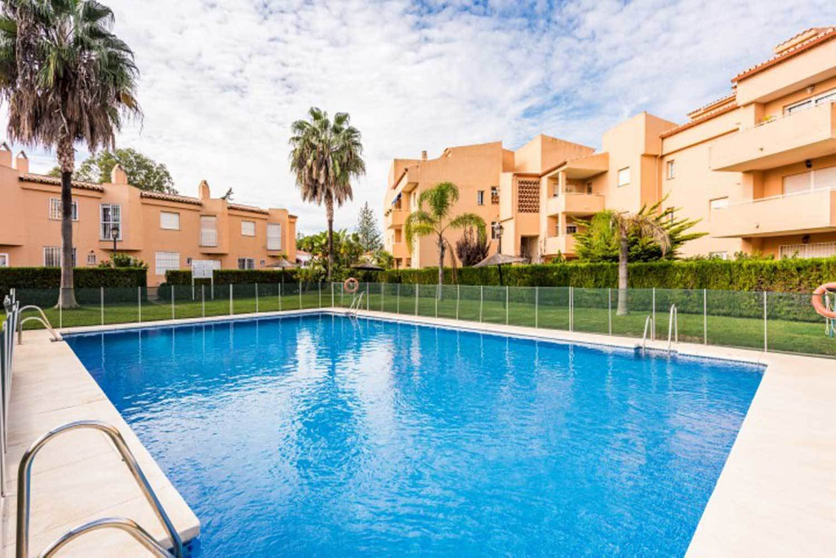 Fantastic apartment 200 metres from beach. 3 bedrooms ground floor in gated community in Costabella ,Spain