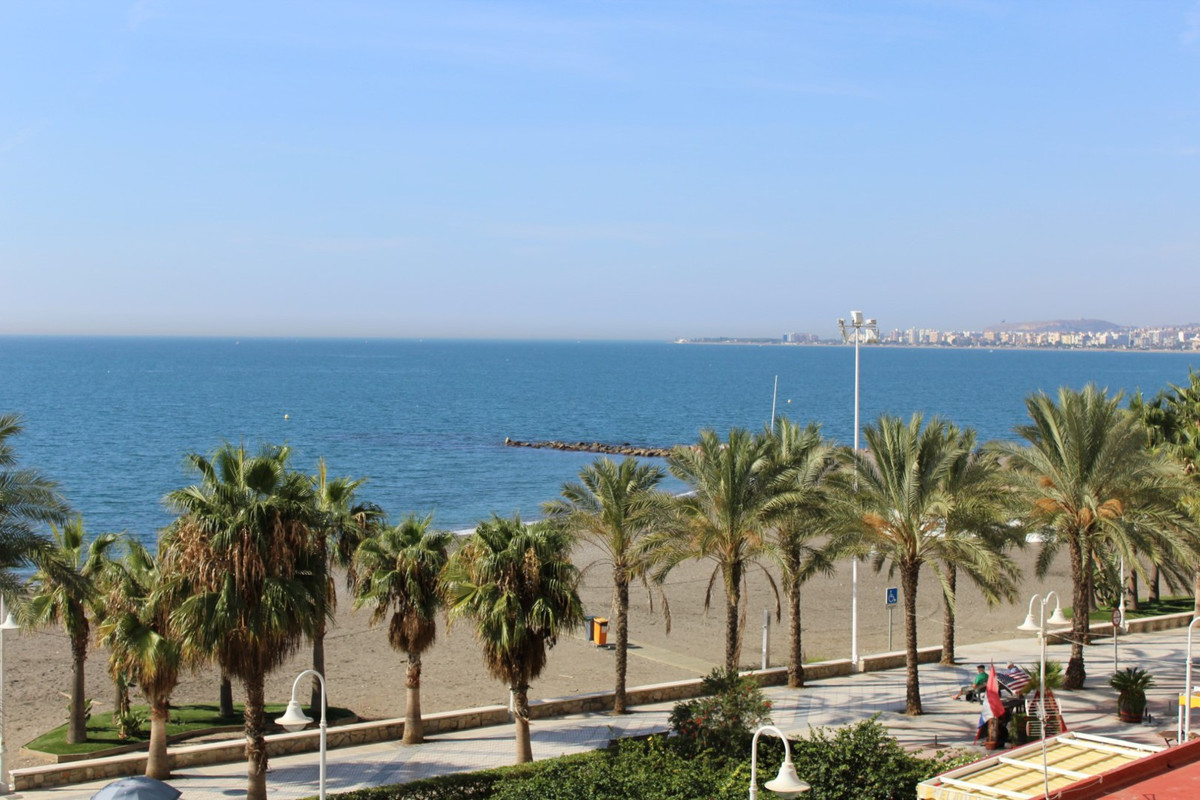 Flat with spectacular views of the sea. The apartment is on the third floor. The Flat is renovated a, Spain