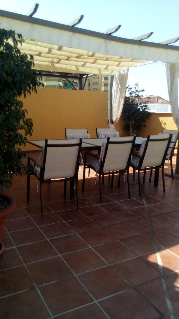 For sale a 3 bedrooms, 2 bathrooms penthouse 113m2 built with a 75m2 solarium ! situated in the area, Spain