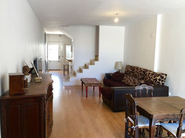 Charming, tastefully renovated 4 bedroom linked house in luxury complex just a stone's throw fro, Spain