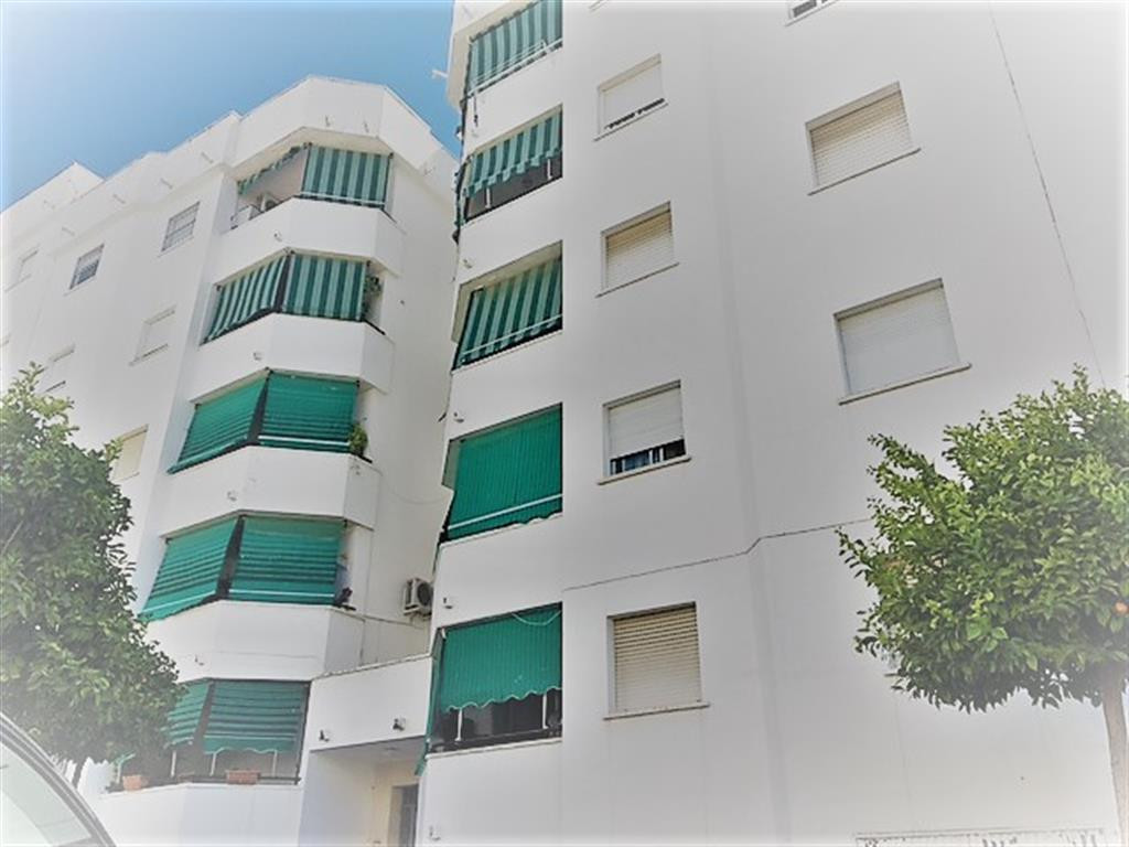 Ground Floor Apartment, San Pedro de Alcantara, Costa del Sol. 3 Bedrooms, 1 Bathroom, Built 90 m², , Spain