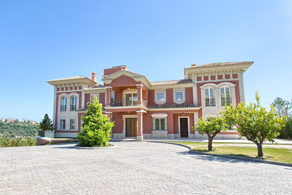 Spectacular, spacious top quality 9 bedroom villa/estate with panoramic views to the coast and the M,Spain