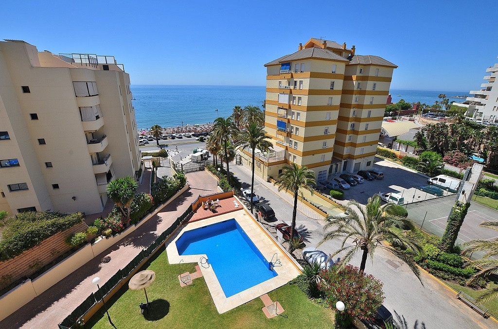 STUDIO WITH SEA VIEWS located in Benalmadena Costa, in the renowned Parque de la Paloma. At only 50 , Spain