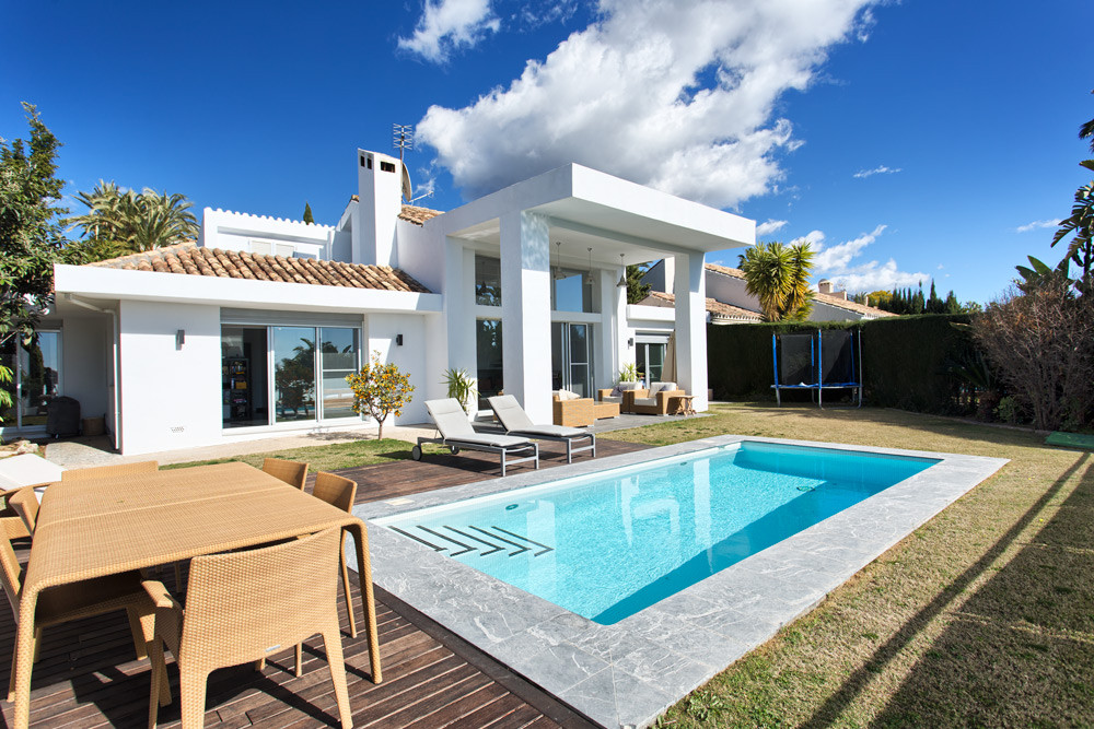 Lovely contemporary style villa in a nice area of Nueva Andalucia close to the Los Naranjos golf cou,Spain