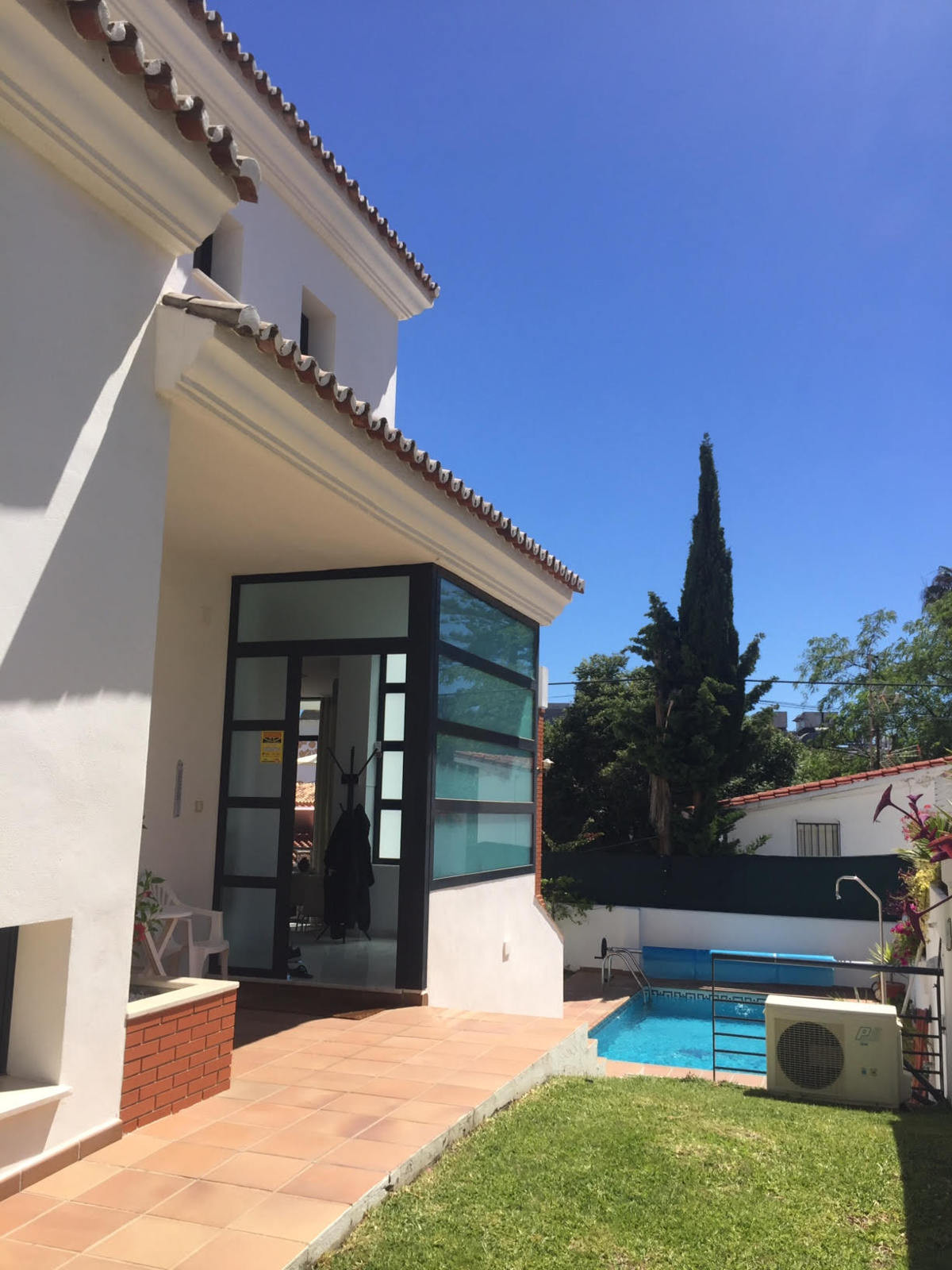 LOCATION, LOCATION, LOCATION, This contemporary 4 bed 3 bath villa is in a sought after location in ,Spain