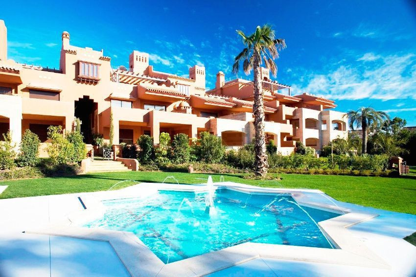 Superb luxury and design apartment, only a short walk to the beach south facing in exclusive gated c,Spain