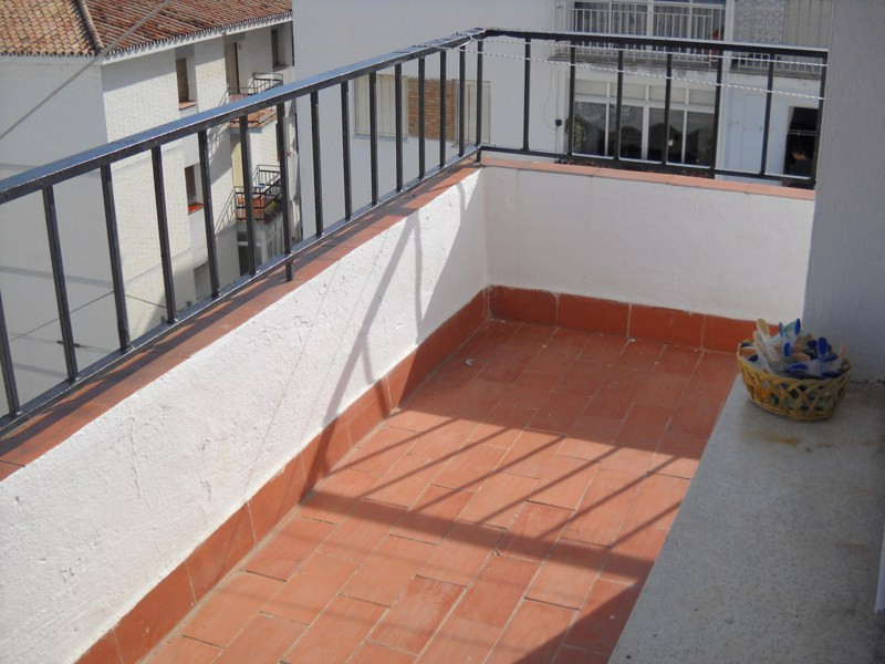 Middle Floor Apartment, Estepona, Costa del Sol. 3 Bedrooms, 1 Bathroom, Built 95 m�, Terrace 12 m�., Spain