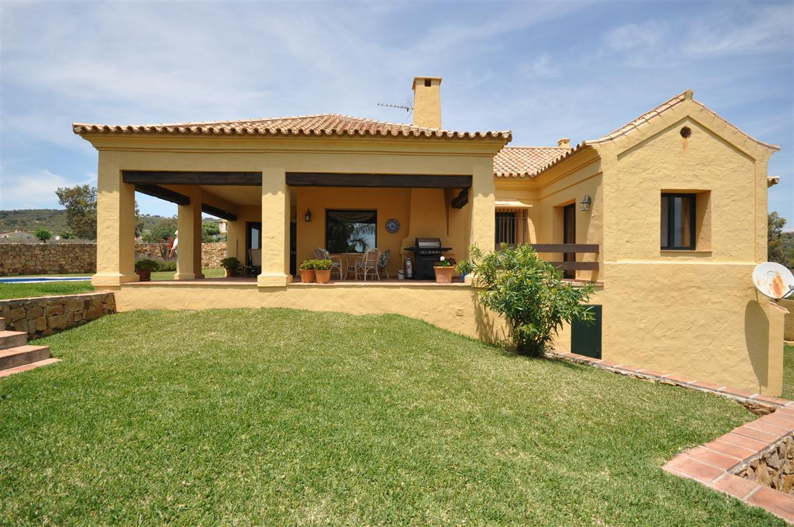 Really atractive villa all on one floor, in an excellent quiet position, south facing, very private ,Spain