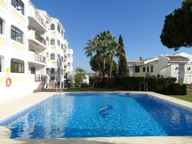 SUPERB LOCATION FOR THIS BRIGHT TWO BEDROOM APARTMENT WHICH ENJOYS EXCELLENT SEA VIEWS. LITERALLY 3 , Spain