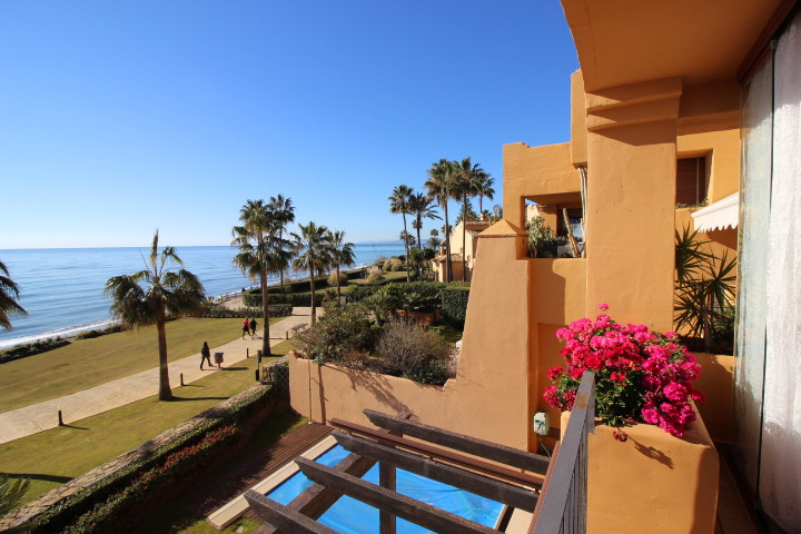 "BEAUTIFUL 3 BEDROOM APARTMENT IN FAMOUS FRONT LINE BEACH URBANISATION ""LOS GRANADOS DEL MAR&quo,Spain"