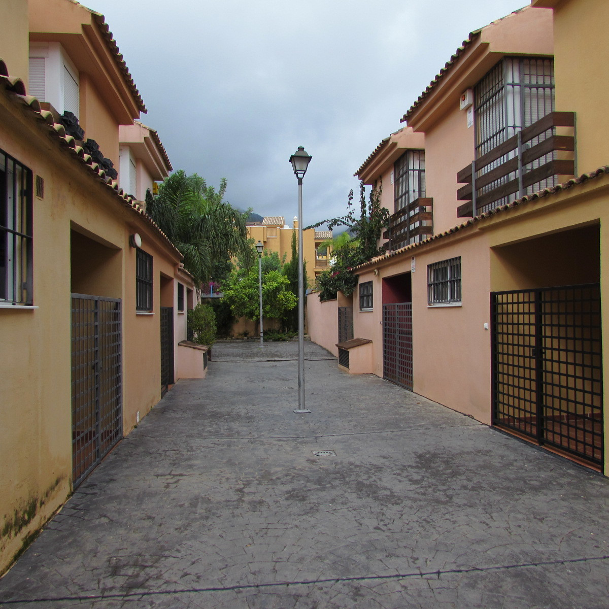 Banking Deal! House in magnificent area of Marbella, San Miguel, to reform !. A few years and a few ,Spain
