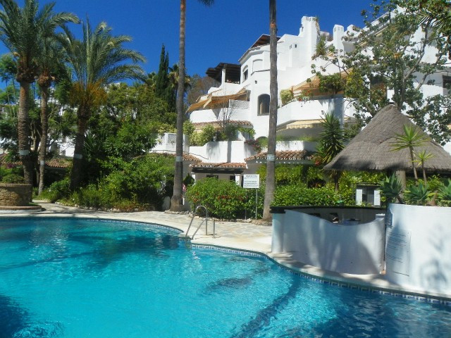 Originally listed for 360,000€ and recently reduced to 320,000€. Fabulous 3 bedroom apartment situat,Spain
