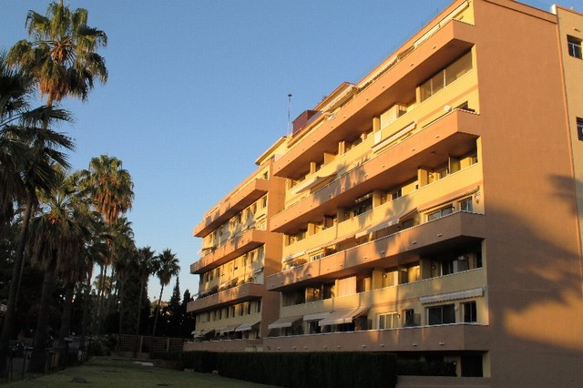 Located in Marbella East close to the Cabo Pino nature reserve, this large duplex flat has generous , Spain