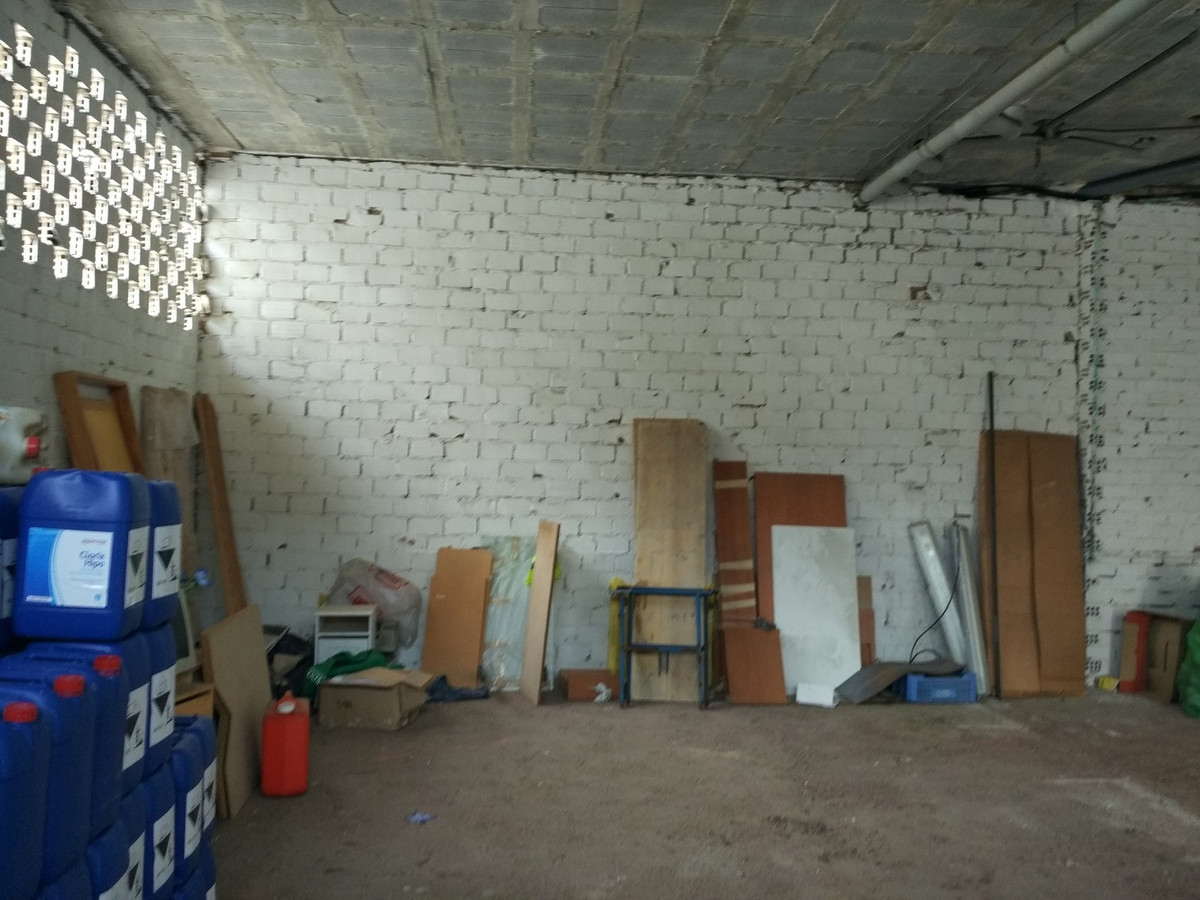 Commercial Local of 79 m2 at street level. It's on the corner. Ideal for warehouse and / or busi, Spain
