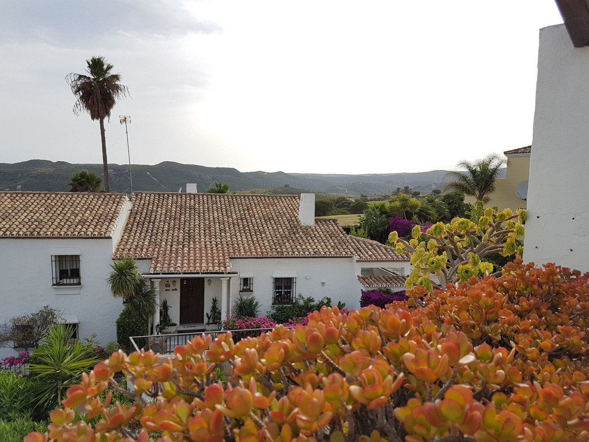 HH Ideally located furnished townhouse on a well-maintained development in Duquesa Golf.  The proper,Spain