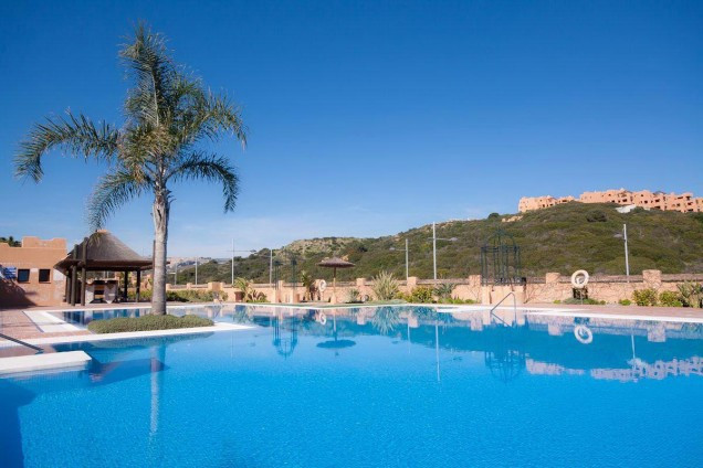 Beautiful penthouse for sale in luxury urbanization front line golf just 5 minutes from the beach !!,Spain