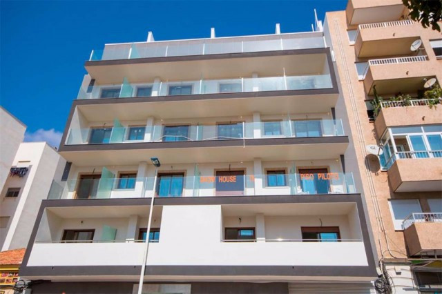 Modern apartment in Torrevieja, just 5 minutes walk from the heart of the city and 15 from the natur, Spain