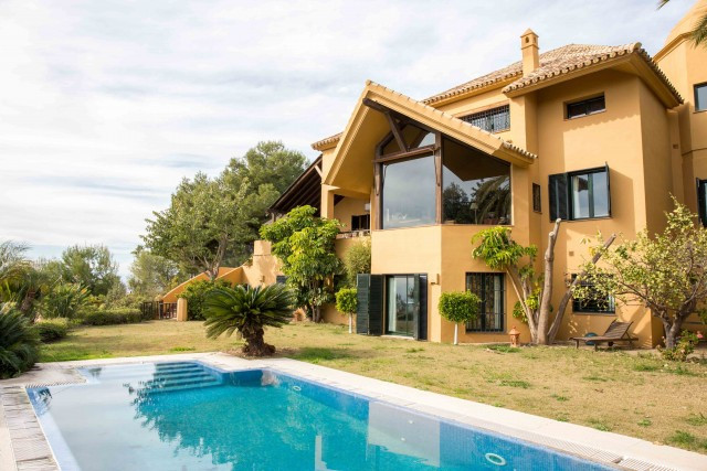 Originally listed for 1.850.000 €, and recently reduced to 1.350.000 €, this magnificent villa with ,Spain