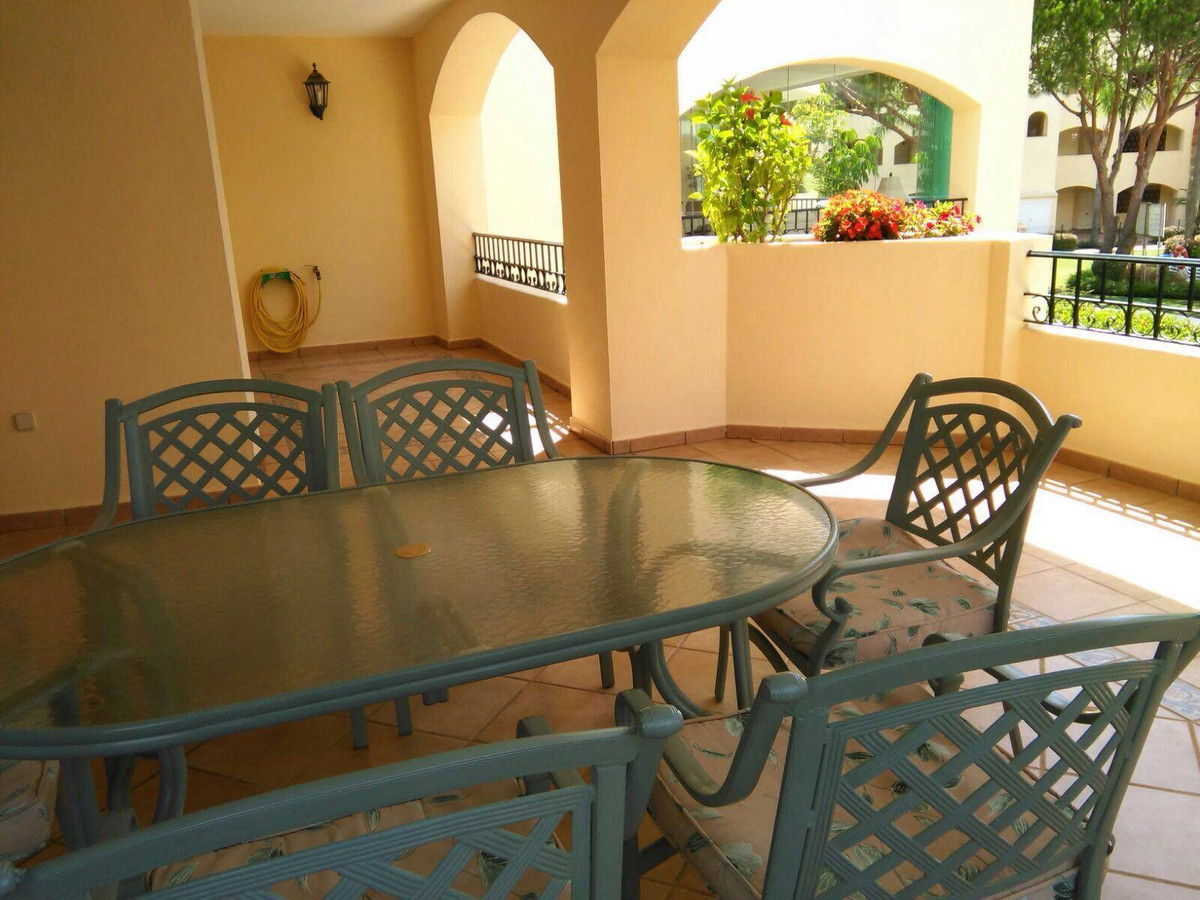 For sale a 2 bedrooms, 2 bathrooms apartment with terrace in an urbanization with swimming-pool situ,Spain