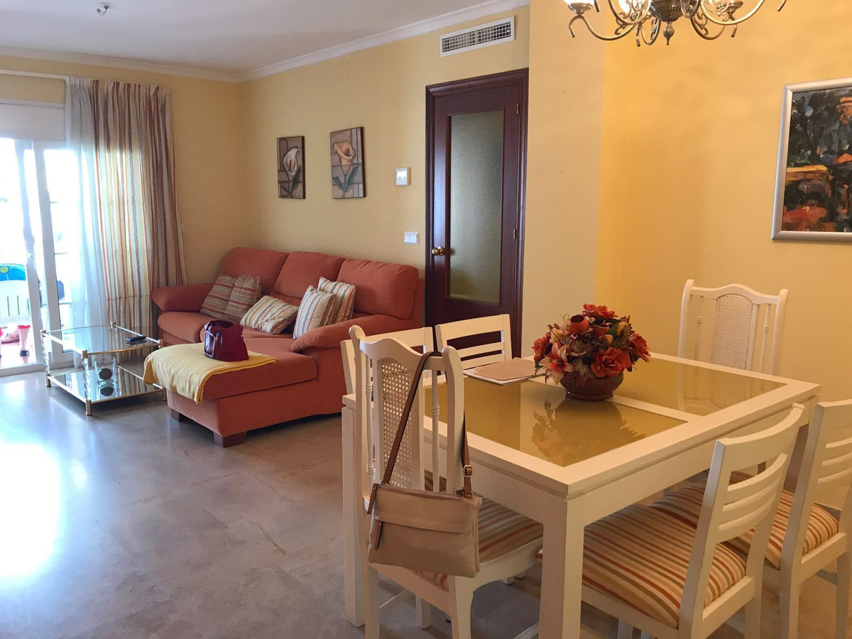 SPACIOUS AND LUMINOUS FLOOR (SALON 22M2, KITCHEN 12 M2, TERRACE 10M2) CLOSE TO ALL SERVICES, SUPERMA,Spain