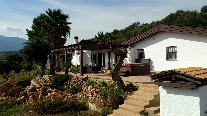 This amazing property consists of three Bungalows each with 3bedrooms 2 bathrooms , fully fitted kit, Spain