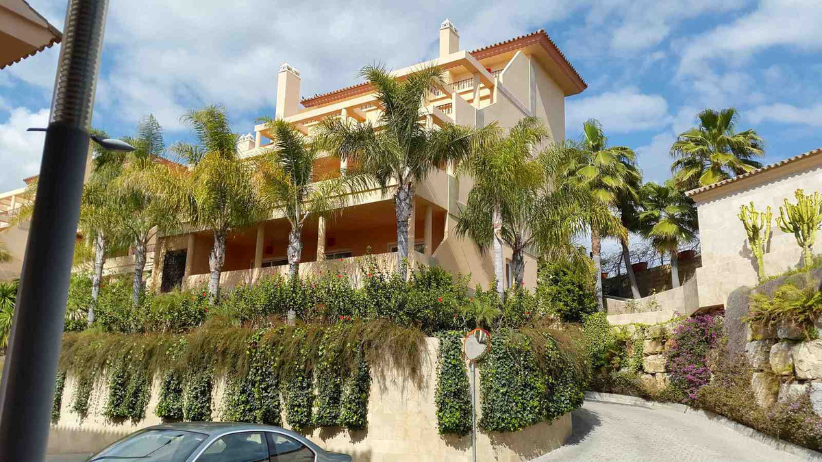 Fantastic ground floor 2 bedroom apartment as new in quality gated community Vista Real. Prime brand, Spain