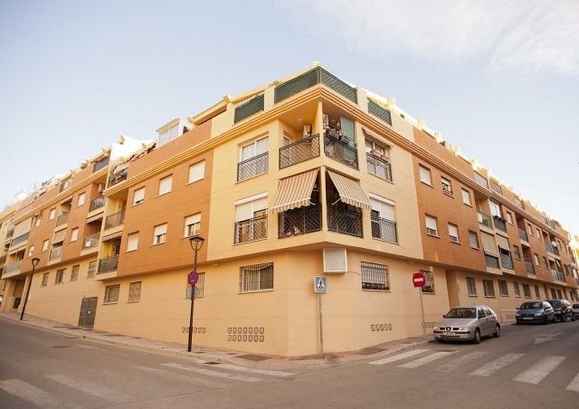 Family apartment located at Las Lagunas, walking distance to all kind of services like schools, shop, Spain