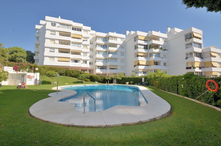 APARTMENT IN GREAT LOCATION! Located in Benalmadena Costa. South facing terrace of 8 m2 with nice po,Spain