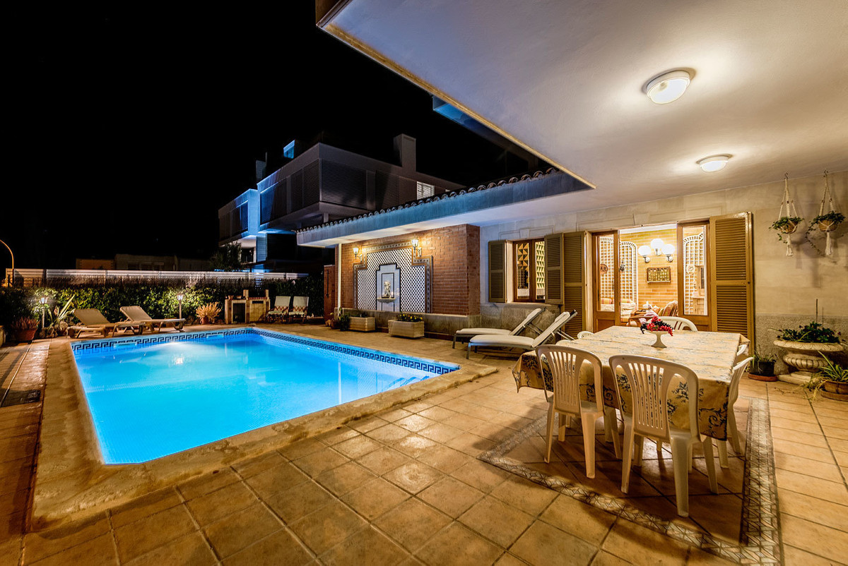 Villa with character, very special, in Porto Cristo and with spectacular views over the sea. Porto C, Spain