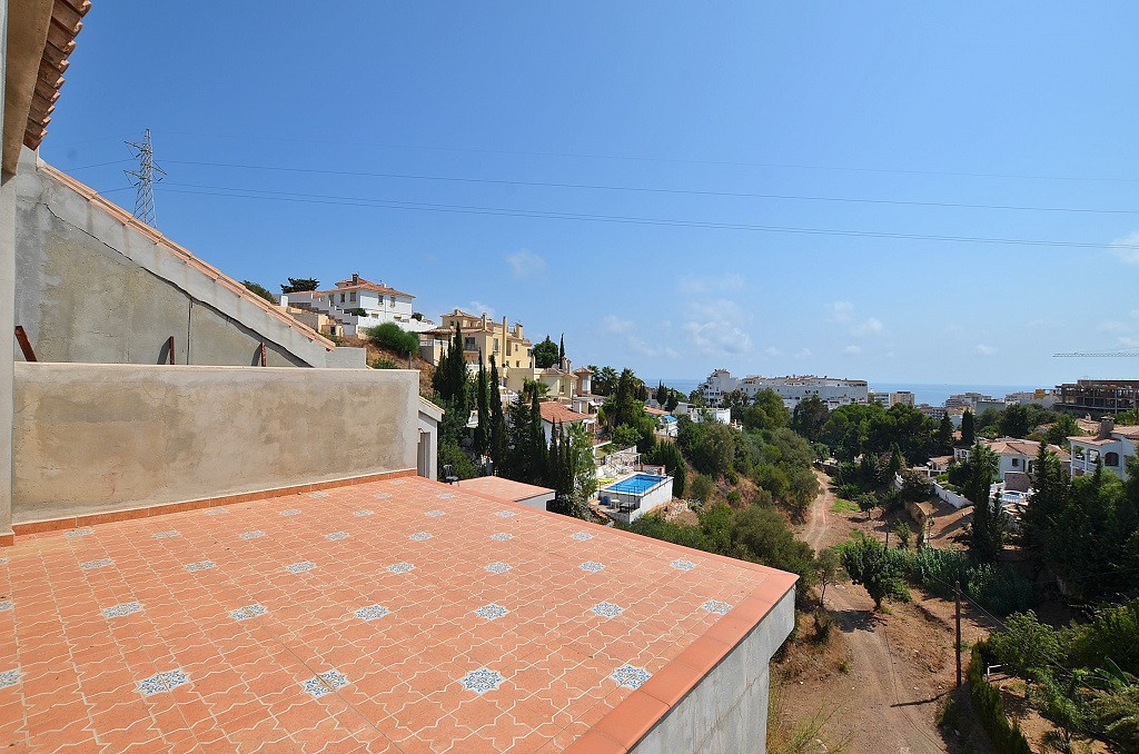 NEW PROJECT!!! 3 TOWNHOUSES WITH NICE SEA VIEWS located in the middle area of Torreblanca (Fuengirol,Spain