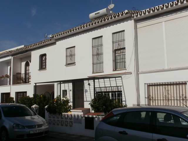 GREAT TOWNHOUSE IN LA CALA - Lovely 3 bedroom townhouse situated in one of the sought after streets , Spain