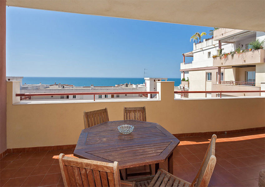 Rare opportunity to acquire an apartment on Benalmadena Costa of this quality with both, the sea vie,Spain