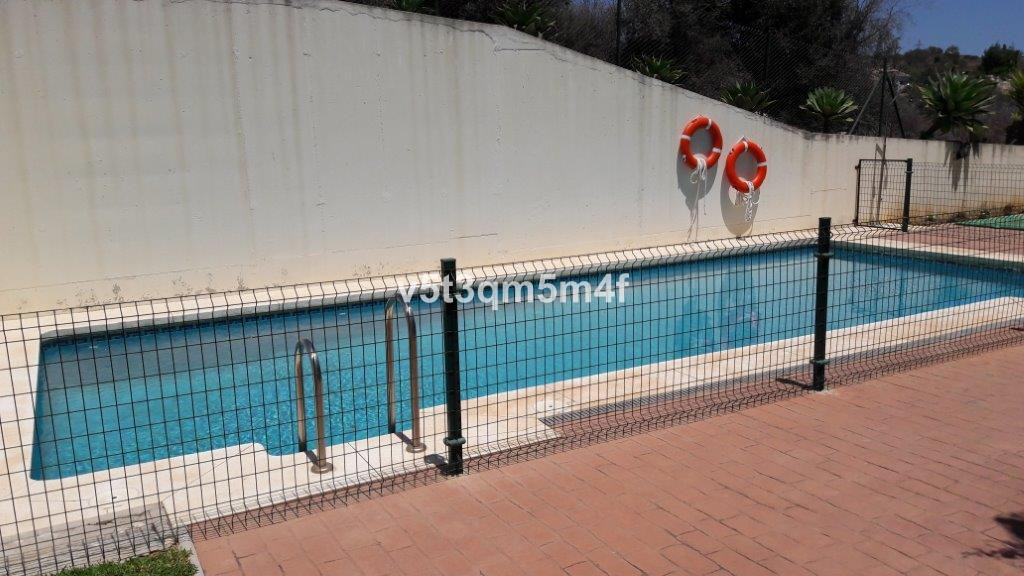 Great apartment 3 bedrooms and two bathrooms magnificently decorated and located in a private and ga,Spain