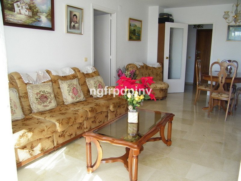 Spacious apartment in the centre of Arroyo de la miel, only a few minutes walking  to all shops, res, Spain