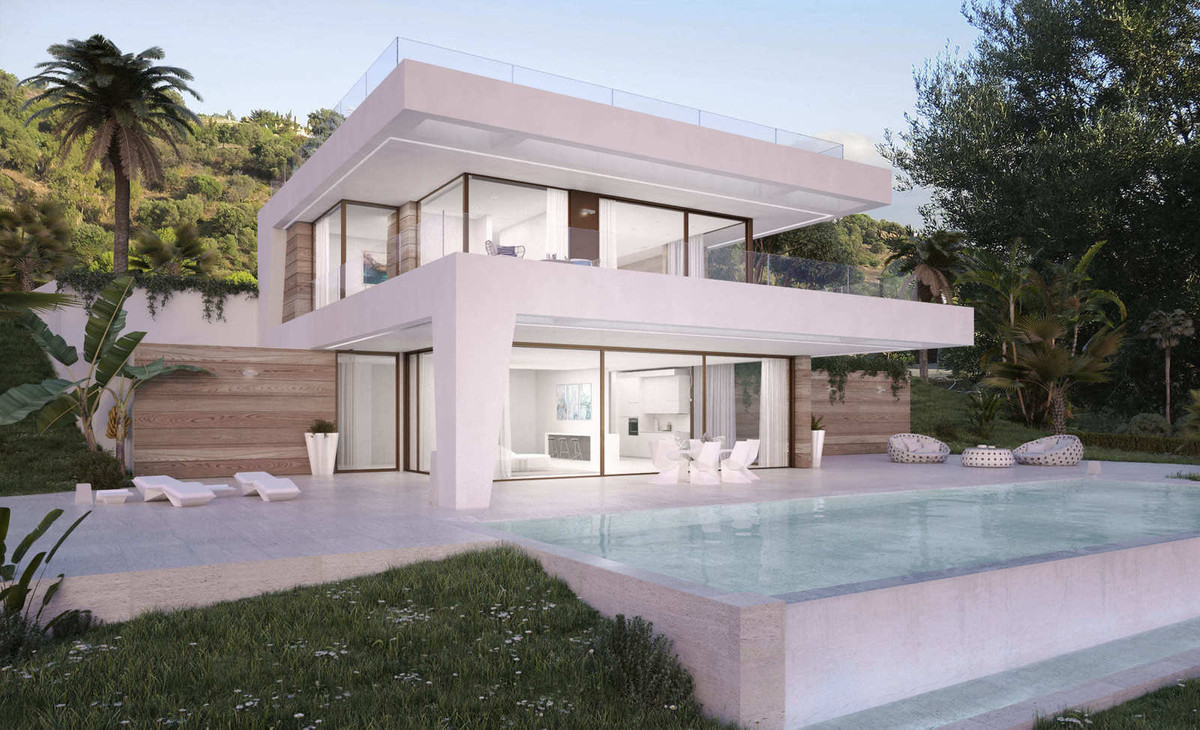 Villa in La Resina Golf, Estepona  Fantastic villa under construction located in La Resina Golf area, Spain