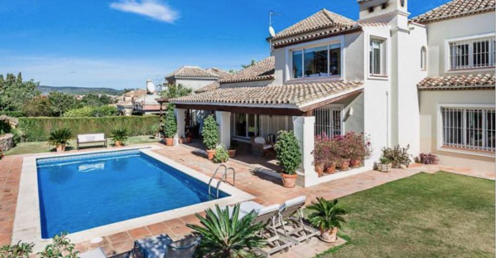 Spectacular luxury Villa located in Sotogrande. This amazing Villa consists of five bedrooms, three ,Spain