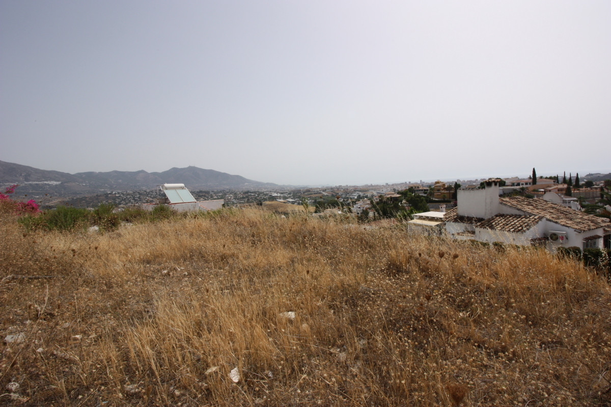 Residential Plot with amazing views in Cerros del Aguila  The plot is located at the higher part of ,Spain
