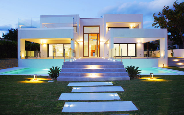 A spectacular five-bedroom front-line golf villa in Guadalmina. Built to the highest standards with ,Spain