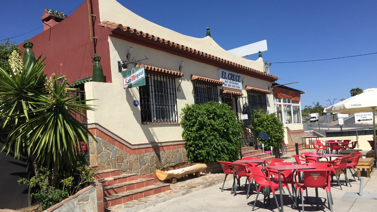 Fantastic opportunity to buy a large family business located on the busy main road into Coin with pa, Spain