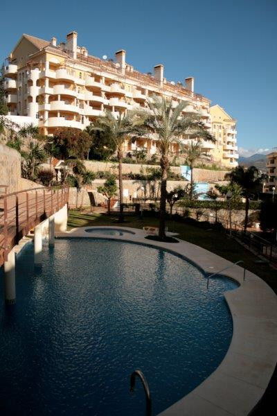 Duplex apartment on the first floor of 2 bedrooms located in a gated complex with magnificent commun,Spain