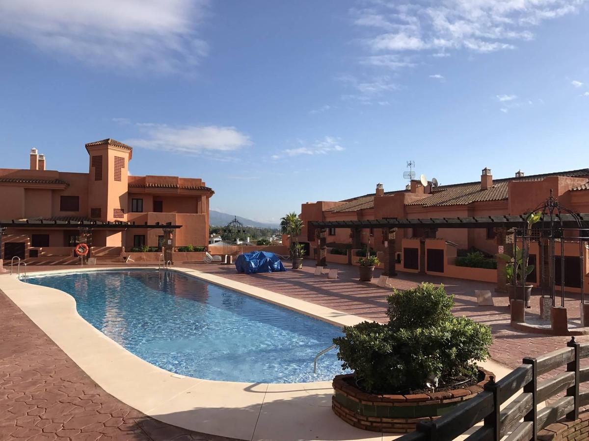 Middle Floor Studio, El Paraiso, Costa del Sol. 1 Bedroom, 0 Bathrooms, Built 47 m², Terrace 5 m².  ,Spain