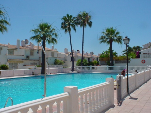 CLOSE TO SAN PEDRO. Only a few minutes' drive from San Pedro and Puerto Banus Marina. The town house,Spain