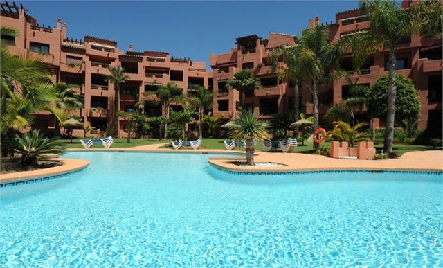 This beautiful 3 bedroom, 3 bathroom apartment is situated in the lovely complex of Alicate Playa. I,Spain