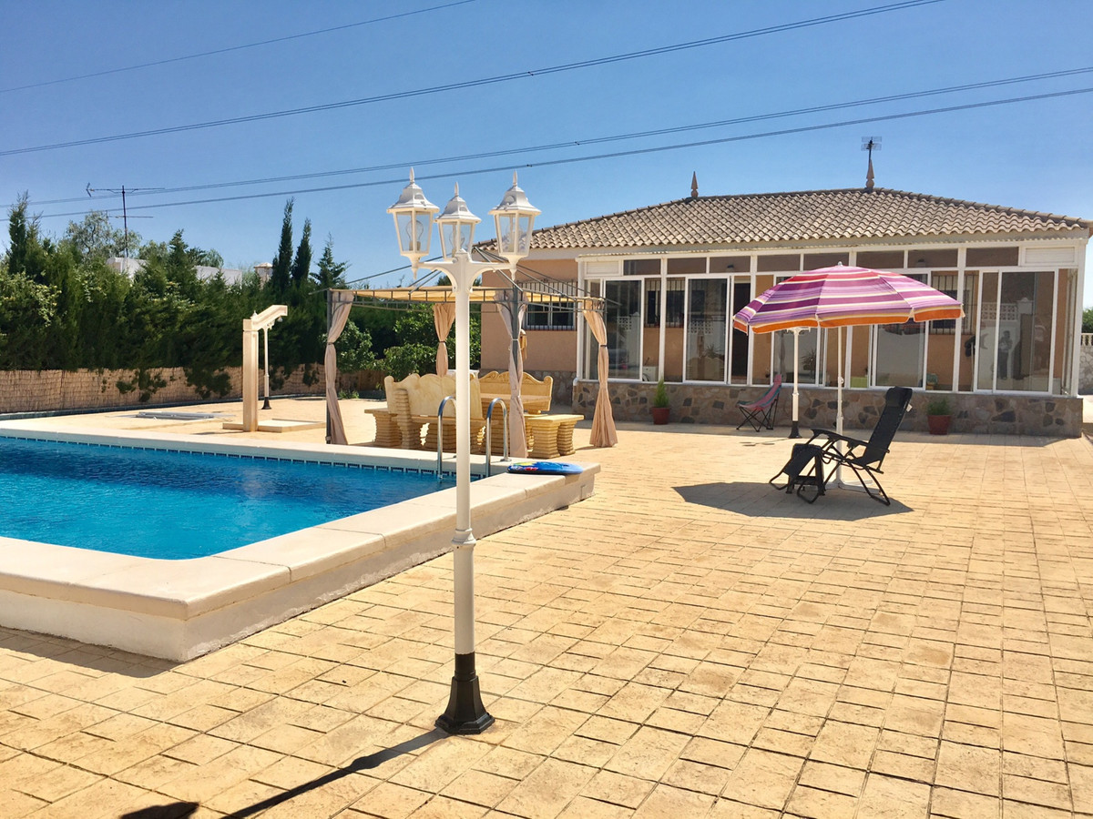 Excellent 3 bedroom villa with swimming pool and mountain views in Busot.  2001 villa, continually r,Spain