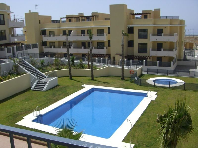 Only 200 m from the beach, this residential complex from offers excellent features and all the servi,Spain
